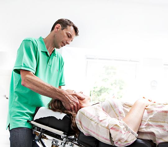 Kiropraktisk behandling af nakke